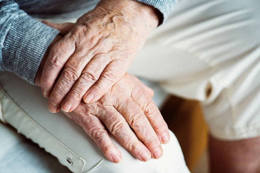 Online Tests for Alzheimer's Disease: Are They Reliable?