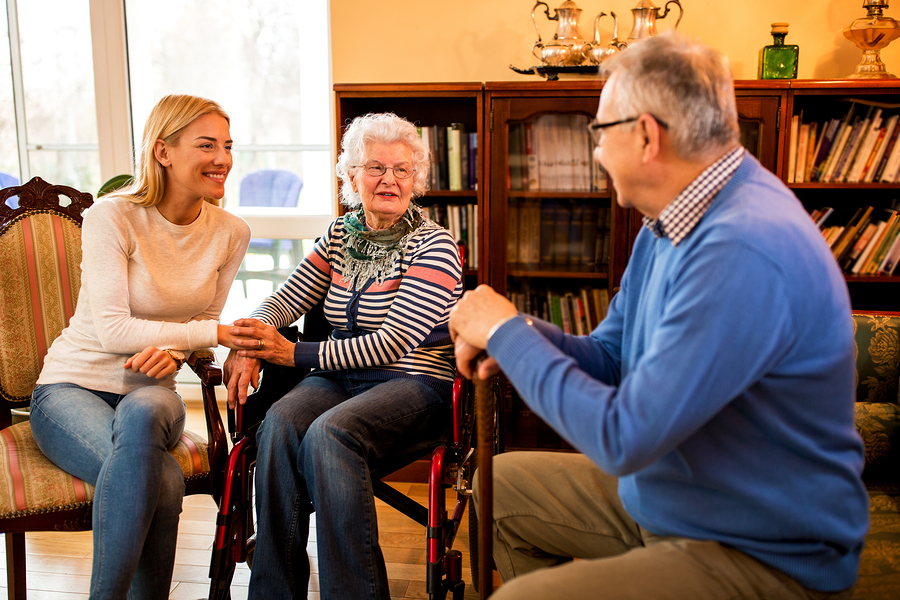 4 Ways Visiting a Senior Loved One Can Help Them